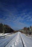 Le pont de chemin de fer dans la neige Image libre de droits