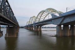 Le pont de chemin de fer du fleuve Songhua Photo stock
