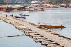 Le pont de lundi du sangkhlaburi, kanchanaburi Photos libres de droits