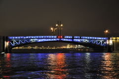 Le pont de palais à St Petersburg Image libre de droits