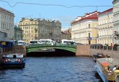 Le pont de Pevchesky à St Petersburg Photographie stock libre de droits
