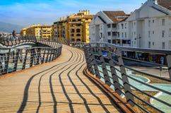 Le pont de pied dans le boulevard De San Pedro de parc Photos stock