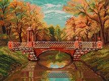 Le pont de pied par le canal Image stock
