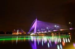 Le pont de Putrajaya le plus lumineux Image libre de droits