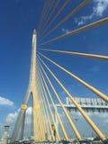 Le pont de Rama VIII câble-est resté le pont image libre de droits