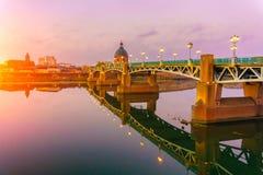 Le pont de Saint Pierre dans des Frances du sud du Midi Pyrénées de Haute-Garonne de Toulouse photo libre de droits