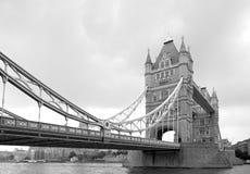 Le pont de tour est un pont de Londres images stock