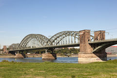 Le pont du sud à Cologne, Allemagne Images stock