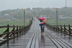 Le pont en bois Photos stock