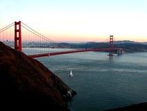 Le pont en porte d'or image libre de droits