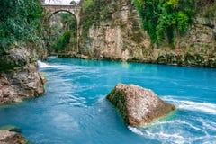 Le pont est connu en tant que pont de ?Bugrum ou d'Oluk ? Paysage de rivi?re de Koprucay de parc national de canyon de Koprulu ?  images stock