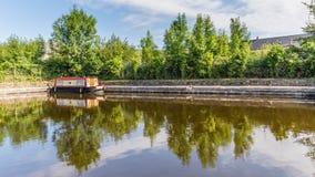 Le pont et la péniche dedans Brecon balise le parc national Photos libres de droits