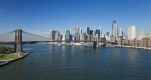 Le pont et le Brooklyn Park du centre de New York W Brooklyn Photos libres de droits