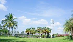 Le pont extérieur de parc Terres, emplacement de photo en parc photo stock