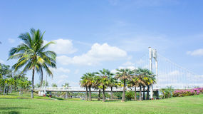 Le pont extérieur de parc Terres, emplacement de photo en parc images stock