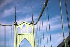 Le pont gothique populaire célèbre de St Johns à Portland Orégon photos stock