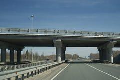 Le pont sur la route Photographie stock