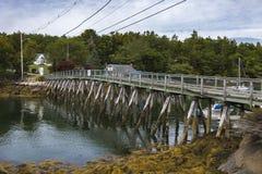 Le pont vers l'île de capitol, Maine Photographie stock libre de droits