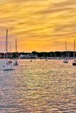 Le port au coucher du soleil dans Hyannis Photo libre de droits