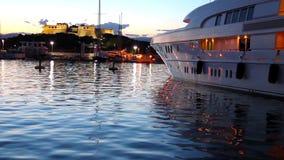 Le port d'Antibes, la Côte d'Azur clips vidéos