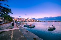 Le port de pictursque de Sitia, Crète, Grèce au coucher du soleil Image libre de droits