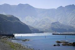 Le port de Puerto de Las Nieves, mamie Canaria Photos libres de droits