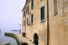 Le port de San Vigilio Photographie stock libre de droits