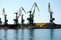 Le port maritime sur l'île Sakhaline. Image stock
