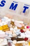 Le portapillole di supplemento della vitamina incapsulano il farmaco del trattamento del gruppo Fotografia Stock Libera da Diritti