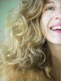 Le portrait d'une fille blondy Photographie stock