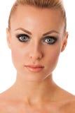 Le portrait de beauté de la femme avec le maquillage parfait, smokey observe, complètement Photographie stock libre de droits