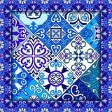 Le Portugais couvre de tuiles le vecteur sans couture de modèle avec les ornements bleus et blancs Motifs de Talavera, d'azulejo, illustration de vecteur