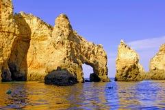 Le Portugal, Algarve, Lagos : Littoral merveilleux images stock
