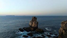 Le Portugal a un littoral avec beaucoup de kilomètres de belles plages banque de vidéos