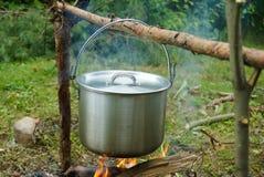 Le pot sur le feu Image stock