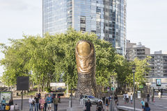Le pouce de cesar in la Defense in Paris Stock Photo