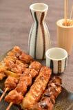 le poulet Carboniser-grillé a appelé le yakitori image stock