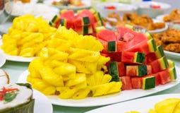 Le poulet frit supérieur de Tableau de variété de nourriture a fait frire la papaye de porc rôtie par poissons Images stock