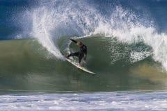 Le pouvoir de compétence de surfer découpent Photo stock