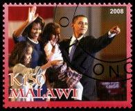 Le Président Obama et timbre-poste de famille du Malawi Photographie stock libre de droits