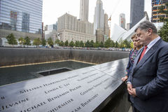Le Président Petro Poroshenko au mem de point zéro de World Trade Center Photos stock