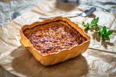 Le Prebranac-Balkan a fait des haricots cuire au four photos stock