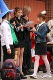 Le premier appel 1er septembre, jour de la connaissance à l'école russe Jour de la connaissance Premier jour d'école Photographie stock libre de droits