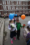 Le premier appel 1er septembre, jour de la connaissance à l'école russe Jour de la connaissance Premier jour d'école Photo libre de droits