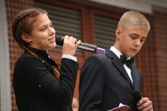 Le premier appel 1er septembre, jour de la connaissance à l'école russe Jour de la connaissance Premier jour d'école Photos libres de droits
