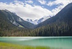Le premier des trois Joffre Lakes photos libres de droits