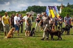 Le premier festival des chasseurs dans le village Perekhrest images libres de droits
