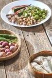 Le prik de nam de cuisine ou la pâte thaïlandais de piment se mélange photo libre de droits