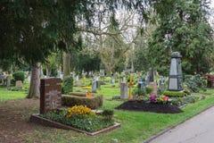 Le printemps intérieur de jeudi de midi de cimetière de région de Pragfriedhof Wal 2017 photographie stock