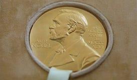 Le prix Nobel de George Emil Palade - donné dans la ROM de Bucarest photo libre de droits